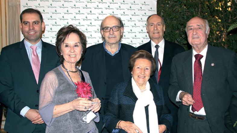 El director General de Gestión Económica y Farmacia de la conselleria de Salut, César Vicente, Juana Mª Román, Oriol Bonnín, el señor Bardolet, Rafael Perera y su esposa.