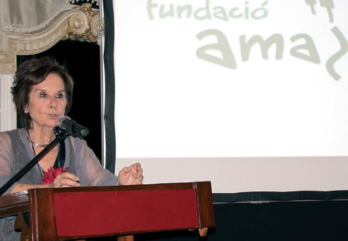 Juana María Román, presidenta de la Fundación Amazonia, durante el discurso de bienvenida.
