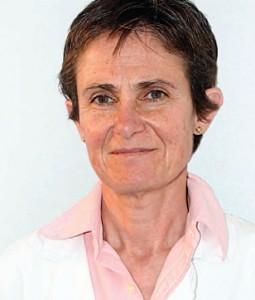 Cristina Bofill es licenciada en Medicina y Cirugía por la Universidad Autónoma de Barcelona