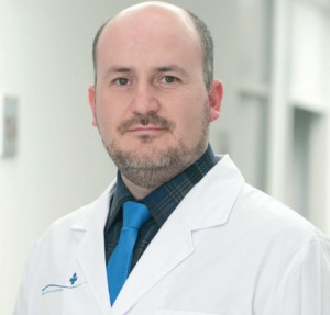 El doctor Eric Canales, especialista en Cardiología Clínica e Intervencionista en Clínica Juaneda