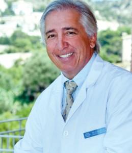 Dr. José María Vázquez Roel, director general de la Clínica Capistrano     Dr. José María Vázquez Roel, director general de la Clínica Capistrano