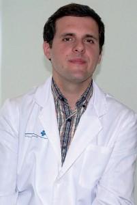 DOCTOR ENRIQUE CASAS DE LA ASUNCIÓN, DERMATÓLOGO DE CLÍNICA JUANEDA PALMA