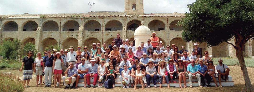Foto de familia de todos los asistentes a la jornada farmacéutica