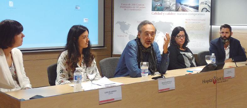 """El escritor Carlos Garrido, explicó su experiencia a través del libro """"Te lo contaré en un viaje""""."""