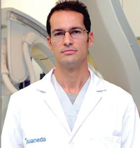 Dr. Miguel Casares radió logo de Clínica Juaneda y Miramar.