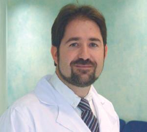 DOCTOR IVO ROCA, ESPECIALISTA EN ELECTROFISIOLOGÍA EN CLÍNICA JUANEDA