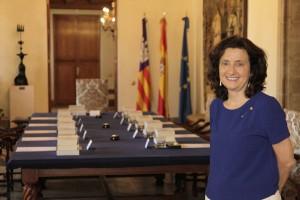 Fina Santiago, consellera de Servicios Sociales y Cooperación