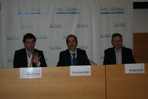P. Cortés, F. Marí y W. Birk durante la presentación.