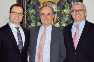 Los doctores Federico Martinón, Francisco Álvarez y Juan José Picazo