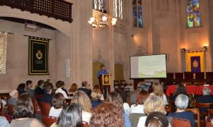 Un momento de la conferencia del Dr Enrique Castro