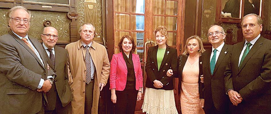 El presidente de Uniteco, Gabriel Núñez; y la presidenta de CTO, Pilar Díaz, entre otros asistentes.