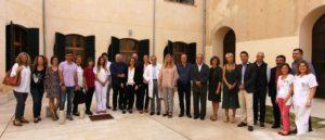 Foto de familia de todos los participantes en el acto de presentación del nuevo modelo de atención a la cronicidad.